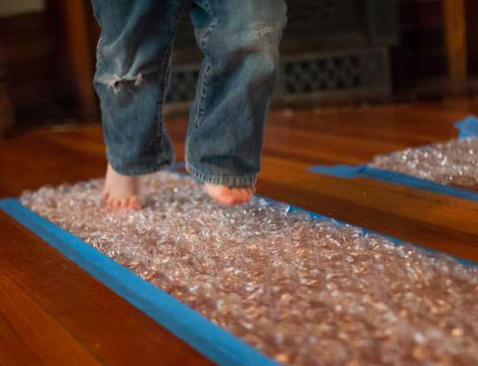Bubble Wrap Runway Game @ Dubai