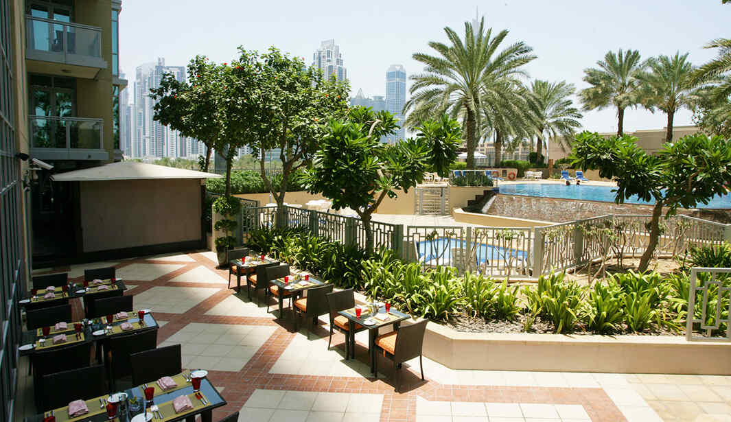 2 for 1 Swim & Dine Fridays @ Kenza @ Dubai